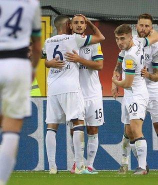 Schalke 04 deplasmanda Paderborn'u 5 golle yendi