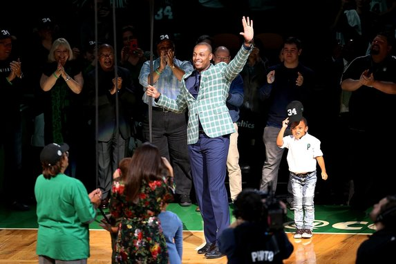 Boston Celtics, Paul Pierce'in formasını emekli etti