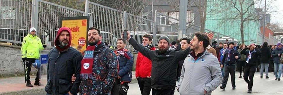Trabzonspor taraftarı stada geldi! İşte o anlar...