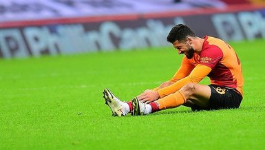 """Son dakika Galatasaray haberi: Olay Emre Akbaba sözleri! """"Taraftarın önüne atıldı"""""""