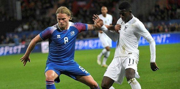 Fransa, İzlanda ile 2-2 berabere kaldı.