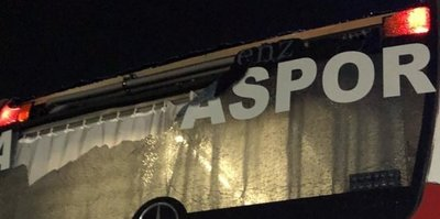 Antalyaspor otobüsüne taşlı saldırı