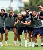 Fenerbahçe, yurt dışı kampı için İsviçre'ye gitti