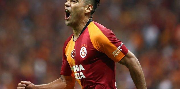Galatasaraylı Falcao tanınmaz halde! İnanmayanlar dönüp bir daha baktı