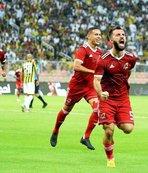 Cüneyt Çakır Al Ittihad-Al Wehda maçını yönetti