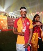 Galatasaray'da Donk'un sözleşmesi yenileniyor