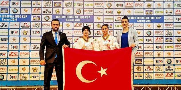 Judoda Tuğçe'den altın Andıç'tan bronz madalya