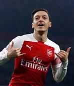 Mesut Özil'den transfer açıklaması!