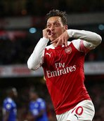 Arsenal cephesinden flaş Mesut Özil açıklaması!