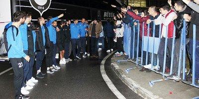 Altay'da Töraydın'dan futbolculara övgü