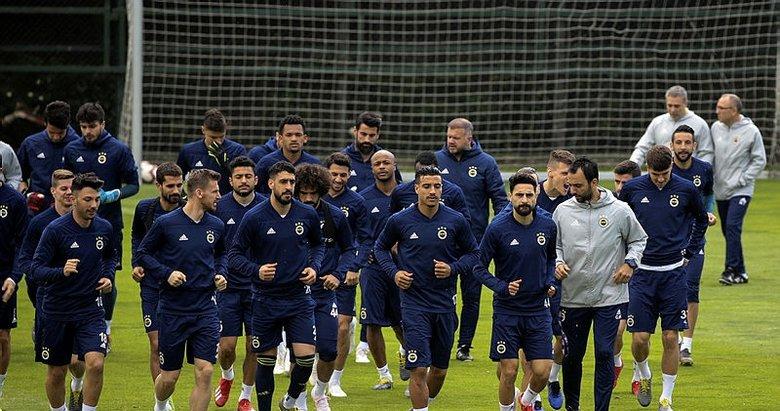 Fenerbahçe'de bir devrin sonu! Yolların ayrılacağı isimler belli oldu