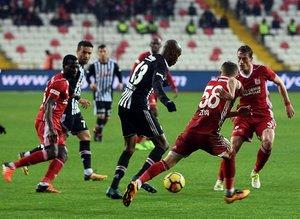 Sivasspor taraftarlarından Galatasaraya gönderme