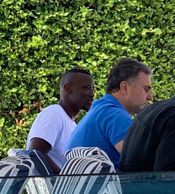 mame thiam fenerbahcede iste istanbuldaki transfer gorusmesinin goruntuleri 1597596528693 - Mame Thiam Fenerbahçe'de! İşte İstanbul'daki transfer görüşmesinin görüntüleri