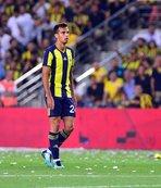 Fenerbahçe'nin genç yıldızı ayakta alkışlandı!