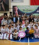 Bayrampaşa'da kış spor okulları sezon açılışını yaptı