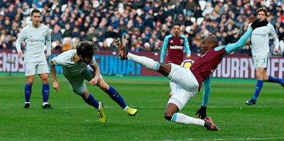 West Ham derbide Chelsea'yi devirdi