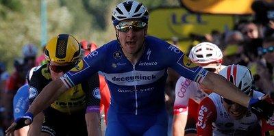 Fransa Bisiklet Turu'nun dördüncü etabını Elia Viviani kazandı