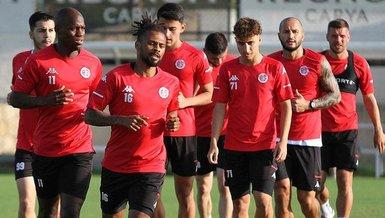 Ali Şafak Öztürk'ten Antalyasporlu futbolcular ve ailelerine büyük jest