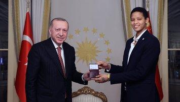 F.Bahçe'nin Kübalı voleybolcusu Vargas Türk vatandaşlığına geçti