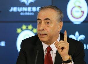 Galatasaraylıları isyan ettiren hakem hataları