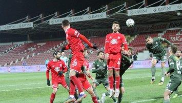 Balıkesirspor 3 puanı 3 golle aldı!