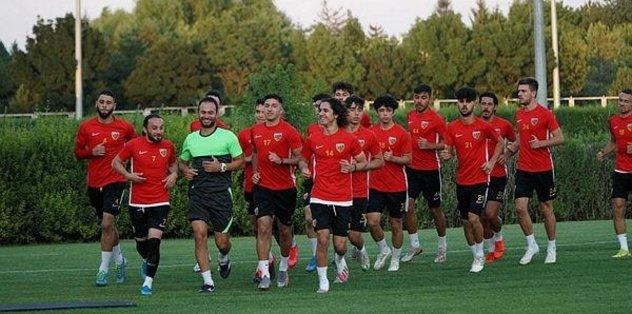 Kayserispor topbaşı yaptı - Futbol -