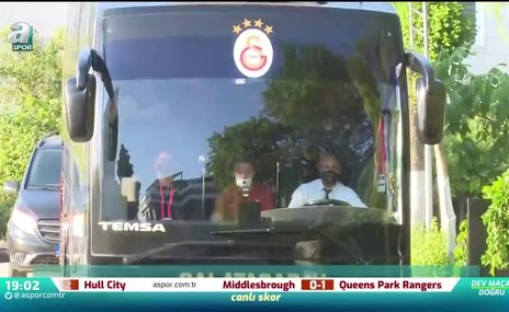 Galatasaray kafilesi stada hareket etti   İZLEYİN