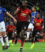 ManU, Cenk Tosun'lu Everton'ı devirdi!
