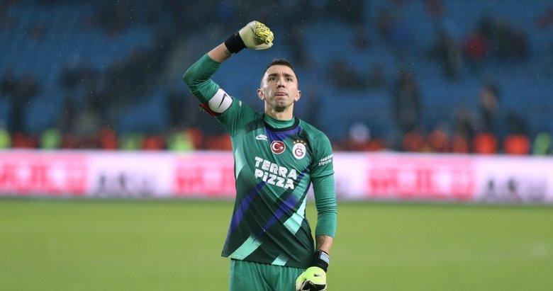 Galatasaray'da taraftarların yüreğini hoplatan haber! Fernando Muslera'ya flaş teklif...