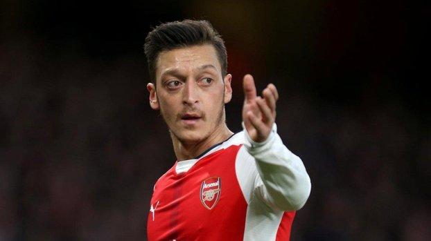FB son dakika: Mesut Özil ne zaman oynayabilecek? Canlı yayında açıkladı! #
