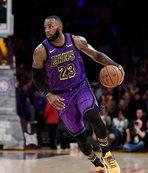 LeBron rekor kırdı, Lakers kazandı