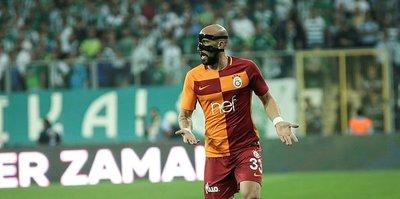Latovlevici maskeyi attı