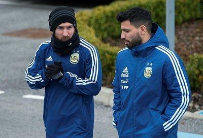 Maradonadan Lionel Messiye tam destek