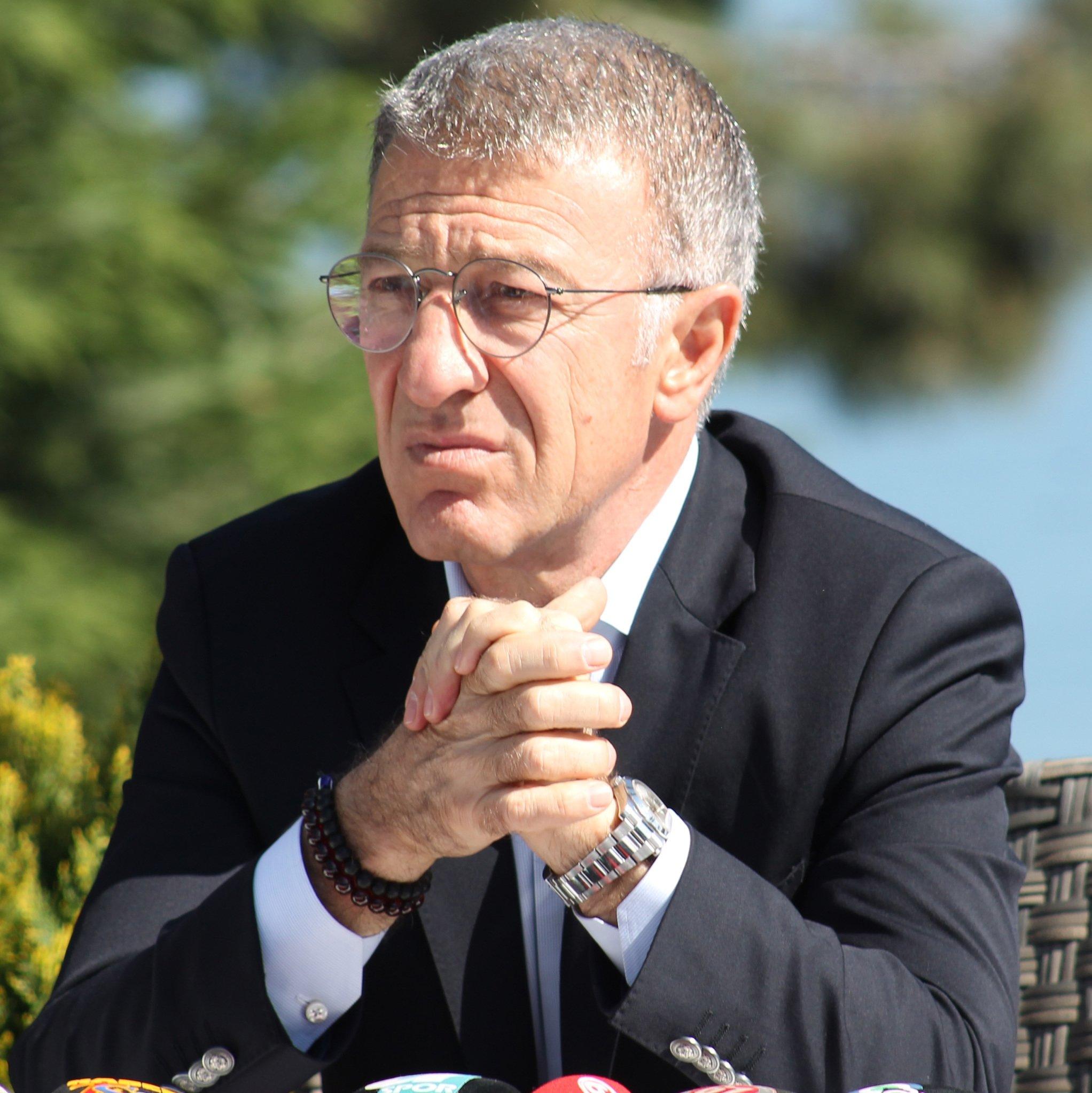 Ahmet Ağaoğlu sorunları çözmeye başladı!