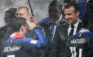 Griezmann Macron'a asker selamı vermişti!