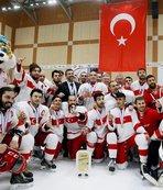 Türkiye Genç Erkek Buz Hokeyi Milli Takımı, Meksika'yı 4-0 mağlup etti