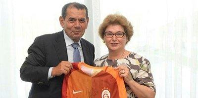 Başkan Özbek kampı ziyaret etti