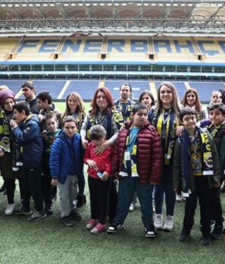 Fenerbahçe, otizmli ve down sendromlu öğrencileri ağırladı