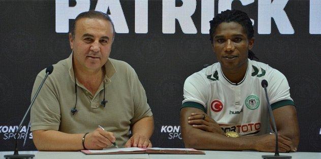 Konyaspor, Eze ile sözleşme imzaladı