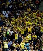 F.Bahçe-Anadolu Efes maçında Ersun Yanal tezahüratları