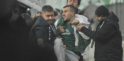 Volkan Demirel'e tepki gösteren Bursasporlu gözaltında