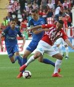 Antalyaspor'u Doukara ve Mevlüt Erdinç sırtladı