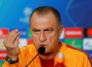 Fatih Terim Schalke 04 maçı öncesi basın toplantısı düzenledi
