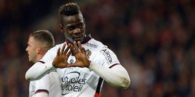 Balotelli imzayı attı!