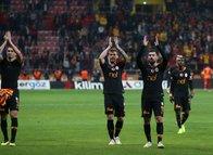 Fatih Terim'den futbolculara büyük jest!