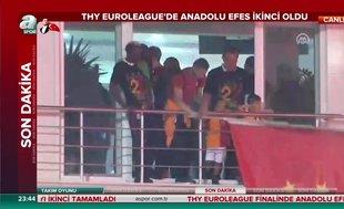 Galatasaray taraftarları Florya'ya akın etti