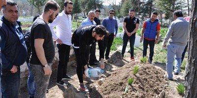 Ozan Tufan, dedesinin mezarını ziyaret etti