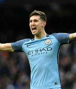 Manchester City Laporte'nin sözleşmesini uzattı