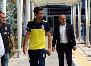 Fenerbahçe taraftarından Kameni'ye tepki Alper'e destek!