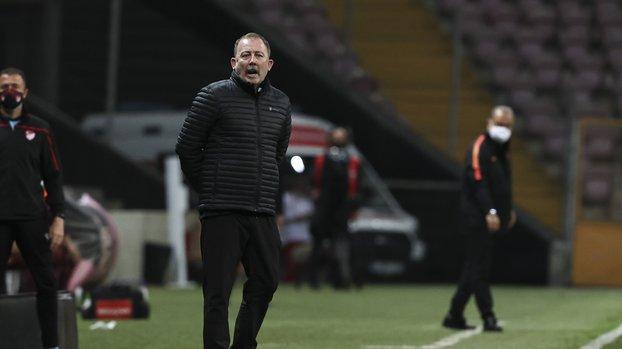 Son dakika GS BJK haberleri | Sergen Yalçın Galatasaray Beşiktaş derbisinin ardından konuştu! #